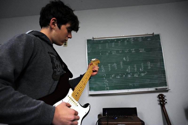Electric Guitar Lesson | Community Music School Collegeville