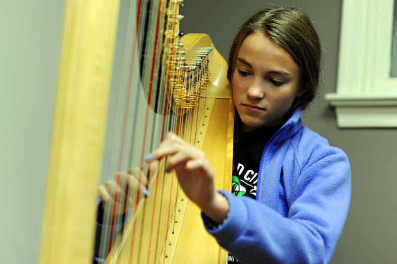 Youth Harp Lesson | Community Music School Collegeville